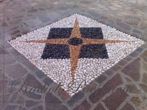 mosaico geometrico in ciottoli realizzato a Brembate provincia di Bergamo