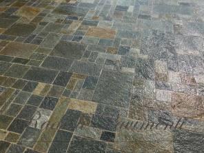 pavimentazione-in-lastre-di-pietra-di-luserna