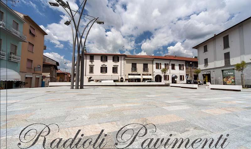 Pavimenti in pietra naturale.  Pietra di luserna, piazza della Repubblica Bernareggio, Mapestone